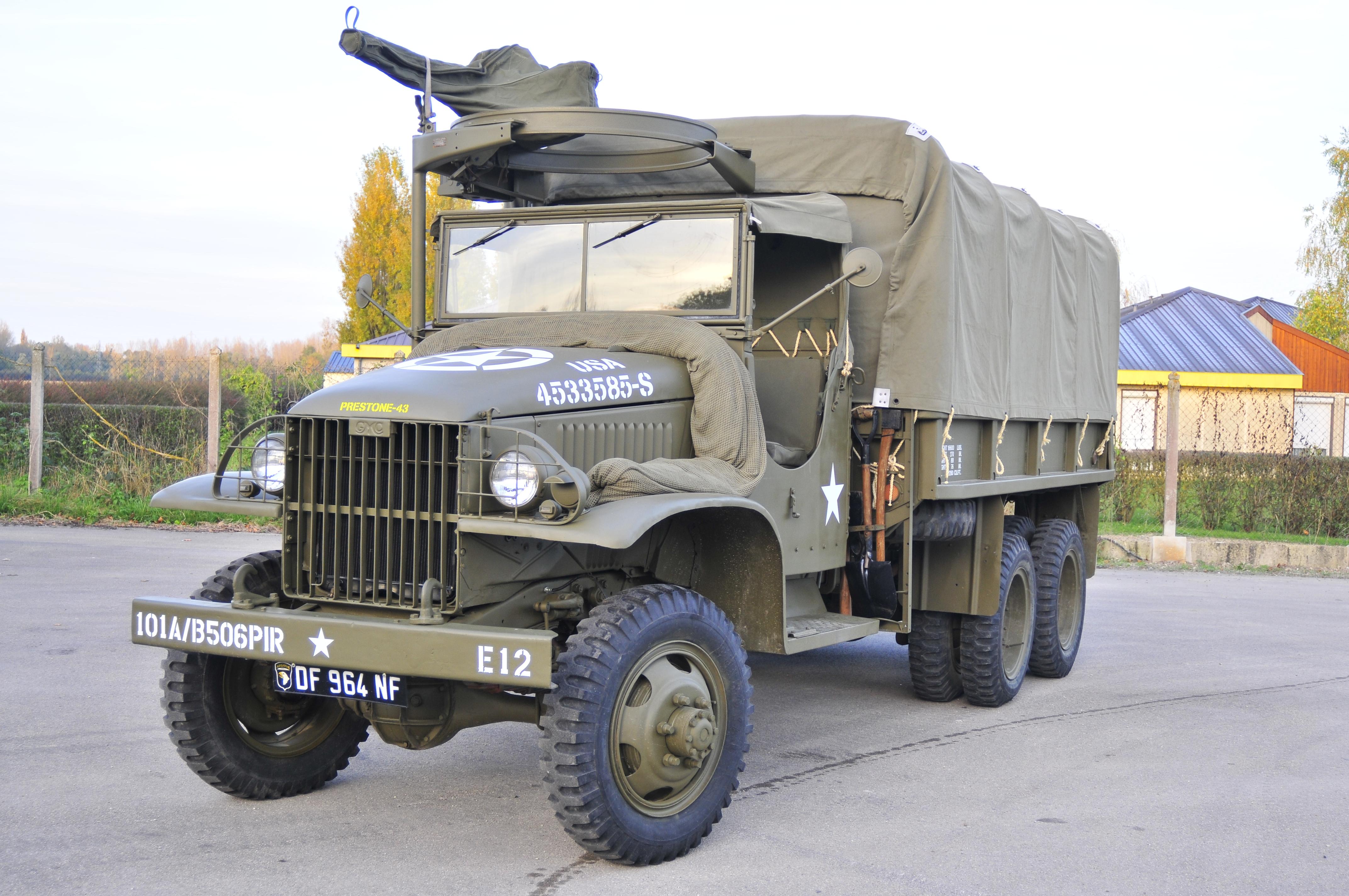 GMC 352